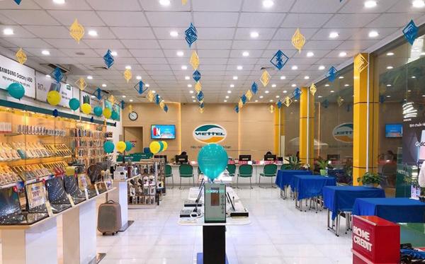 Đến cửa hàng Viettel Store gần naht61 để đăng ký thông tin thuê bao